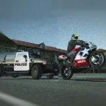 Игра Мотоциклист против полиции на машинах